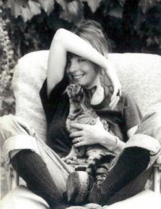 Diane Keaton and cat