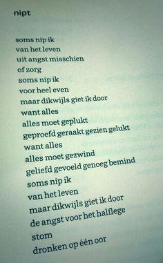 Words poetry gedicht van Merel Morre