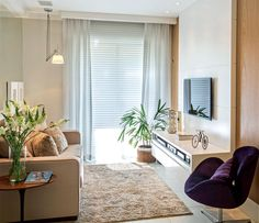 Arquitetas Elise e Evelyn Drummond. Home sala room _ Amei. Small Living Room, Apartment Interior, Home Living Room, Apartment Decor, Home, Apartment Living, Home N Decor, Apartment Interior Design, Small Apartments
