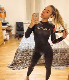 Cute blondie wetsuit girl The Effective Pictures We Offer You About Water Sports Outfit beach volley Scuba Wetsuit, Diving Wetsuits, Sport Outfits, Trendy Outfits, Triathlon Wetsuit, Sup Stand Up Paddle, Girl In Water, Scuba Girl, Womens Wetsuit