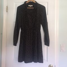 Lined ruffled collar dress, size 4 worn once Great fall dress, size 4 will fit a 6, LOFT, great w boots for work or black tights and heels:) LOFT Dresses