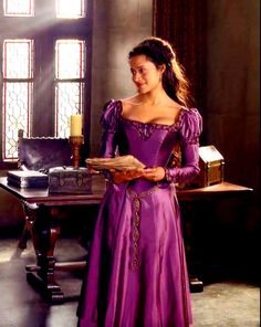 Guinevere - Gwen - Angel Coulby