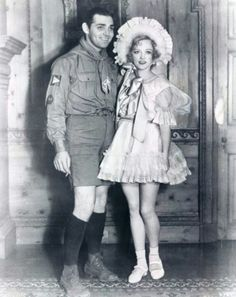 Clark Gable and Marion Davies ready for Halloween at San Simeon. Hollywood Party, Vintage Hollywood, Hollywood Glamour, Hollywood Stars, Classic Hollywood, Hollywood Actor, Hollywood Actresses, Classic Movie Stars, Classic Movies