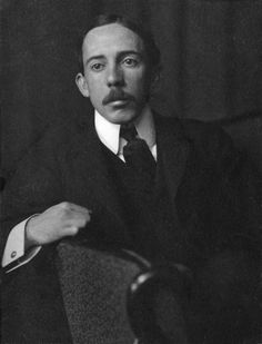 TIL aircraft inventor Santos-Dumont believed air travel would bring peace to the world so he filed no patents and offered his designs free yet burned all his designs when he was accused of being a German spy during WWI and committed suicide after seeing aircraft used in warfare in the 30's.