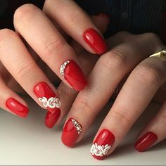 You sure you love your nails,you're always looking for new and unique styles, inspiring photos that you can see below with a brilliant nail art designs which you can use it for your,everyday lifestyle. Red And White Nails, Red Nails, Glitter Nails, Hair And Nails, White Polish, Fabulous Nails, Gorgeous Nails, White Nail Designs, Nail Art Designs