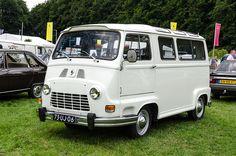 Renault Estafette Microbus Truck Camper, Camper Van, French Classic, Classic Cars, Vw Bus T3, Renault Nissan, Matra, Cool Vans, Pretty Cars