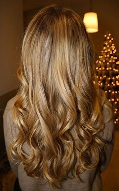 love this dark blonde  MAYBE MY NEXT COLOR :)