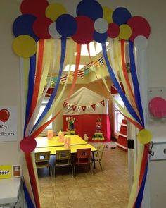 Decoraci n aula escolar el payaso del circo proyecto for Oficinas la caixa leon