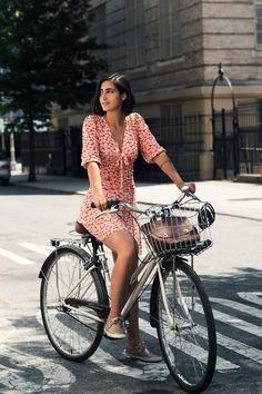 easygoingfuture:  Likes | Tumblr on We Heart It. bicycle fashionhttp://easygoingfuture.tumblr.com/