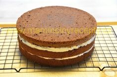 Čokoládový dort s mascarpone Vanilla Cake, Tiramisu, Camembert Cheese, Food And Drink, Cooking Recipes, Bread, Breakfast, Ethnic Recipes, Meal