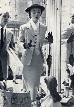 Window shopping in the chicest of style! #vintage #1950s #suits #fashion
