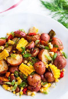 Como não compartilhar com vocês a salada de batatas mais popular do Pinterest? Aprenda já como faz aqui no link!