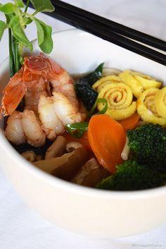 In viaggio in cucina: Miso Udon con gamberi e uova