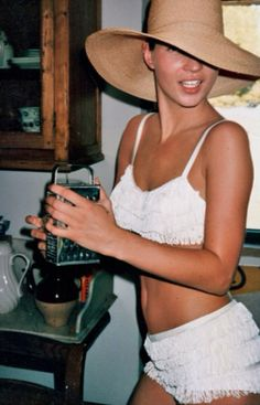 Kate Moss in Tuscany, 1998