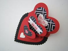 Triple Heart Easel Card Tutorial. Link download: http://www.getlinkyoutube.com/watch?v=_JMS1UVDCro