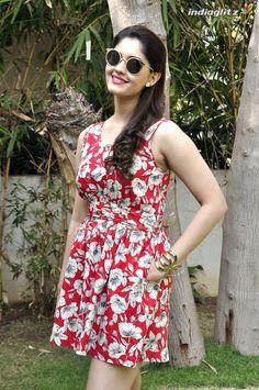Indian Wedding Fashion, Belly Dance Outfit, Most Beautiful Bollywood Actress, Beautiful Girl Indian, Beautiful Women, Tamil Actress Photos, Stylish Girls Photos, South Indian Actress, Indian Beauty Saree