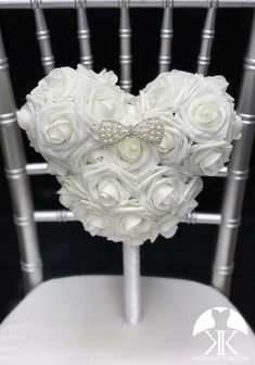 Mickey Bridal Bouquet, Mickey Bridesmaid Bouquet or Flower Girl Bouquet with Ribbon wrapped handle and RHINESTONE PEARL BOW. Made of PREMIUM Real Touch soft roses. Dimensions: Head 10 width X 8.5 height (7 face Mickey Centerpiece, Flower Ball Centerpiece, Red Centerpieces, Birthday Centerpieces, Crown Centerpiece, Blush And Grey Wedding, Aqua Wedding, Luxury Wedding, Bridesmaid Bouquet