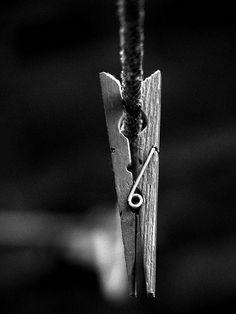 And yet still intriguing. Simplicity Photography, Monochrome Photography, Black And White Photography, Still Photography, Macro Photography, Amazing Photography, Foto Still, Scratchboard Art, Beautiful Fantasy Art