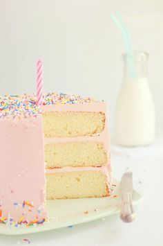 Vanilla bean birthday cakes with vanilla buttercream frosting, from sweetapolita blog