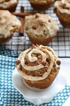 Snickerdoodle Cinnamon Roll Streusel Muffins - Super easy and comes together in only one bowl. Topped with a delicious streusel topping, a sweet cinnamon glaze and an extra sprinkling of cinnamon sugar and made without any butter.