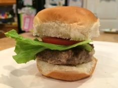 When feeding a large group, this is an easy way to make a lot of burger sandwiches. This is a guide about easy cookie sheet sliders. Hamburger Sliders, Cheeseburger Sliders, Hamburger Recipes, Beef Recipes, Recipies, Cooking Recipes, Homemade Fish And Chips, Slider Sandwiches, Slider Buns