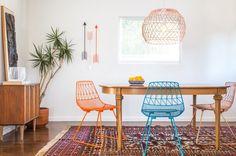 Lucy Chair est une chaise en métal avec une belle structure colorée et moderne. Le design rappelle sans aucun doute les classiques de Charles et Ray Eames! Plus d'information sur Bend Goods.