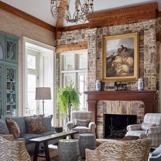 """2,422 Likes, 30 Comments - Traditional Home (@traditionalhome) on Instagram: """"Hey y'all! @jamestfarmer here ♂️ So, do you open your magazines or Instagram and see a room…"""""""