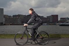 One Piece Rain Suit For Your Bike Commute    Read more: http://www.thegearcaster.com/the_gearcaster/2012/06/one-piece-rain-suit-for-your-bike-commute.html?pintix=1#ixzz1zUa3t1Wy   Under Creative Commons License: Attribution Share Alike