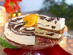 En fryst cheesecake kan du förbereda i god tid inn. Swedish Christmas Food, Scandinavian Christmas, Minion Cupcakes, Some Recipe, Savoury Cake, Cake Pans, Clean Eating Snacks, Nutella, Baking Recipes