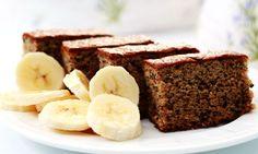 Bolo de banana  Preparo: 15 minutos Cozimento: 40 minutos Rendimento: 4 porções  Ingredientes: · 6 colheres (de sopa) de farelo de aveia · 3...