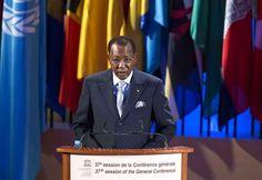 Avec l'aide de la France, Idriss Déby s'empare du pouvoir en chassant le dictateur Hissène Habré. D'abord président du Conseil d'Etat, il est proclamé président du Tchad par le Mouvement patriotique du Salut (MPS) en 1991. Le MPS accorde par une charte nationale tous les pouvoirs au président. Il est élu à plusieurs reprises 1996, 2001, 2006 et 2011. Le régime a failli être renversé plusieurs fois par des opposants mais la France est intervenue.