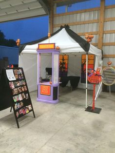 Rockfacepaint face painting booth set up