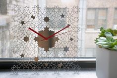 After moving countries, a Lebanese home décor took her business to Etsy - Metis Etsy Shop - Geometric Arabesque Modern Table Clock