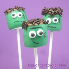 Awesomely cute, festively fun Frankenstein Marshmallow Pops. #candy #Halloween #food #kids #monster #green