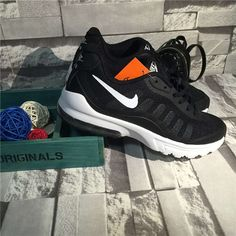 Pas cher Chaussure De Basket Homme Nike Air Max Invigor Noir, Blanc En  France magasin fca64a3acda7