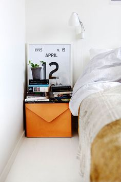 The envelope shall bedside box is a bright spot
