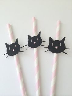 10 Kitty Cat Paper Straws on Pink Paper Straws. Cat Party - 10 Kitty Cat Paper Straws on Pink Paper Straws. Cute Birthday Ideas, Cat Birthday, 4th Birthday Parties, Cat Themed Parties, Pink Parties, Kitty Party, Ideas Lindas Para Cumpleaños, Pink Paper, Paper Straws