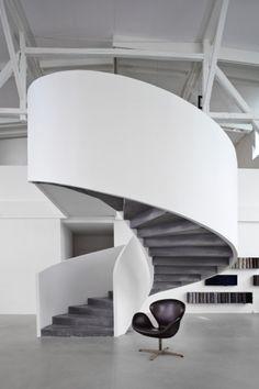 Fritz Hansen showroom by Space Copenhagen Interior Stair Railing, Staircase Design, Stair Design, Commercial Interior Design, Commercial Interiors, Space Architecture, Architecture Details, Space Copenhagen, Space Interiors