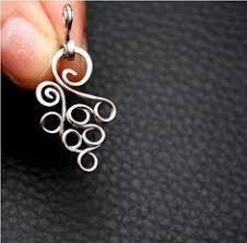 "Résultat de recherche d'images pour ""How to make a sprial headpin (or charm) #Wire #Jewelry #Tutorials"""