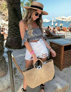 Cute summer fashion beach outfit+vacation outfit +top+shorts+ beach - The Best Fashion İdeas For Ladies Short Outfits, Casual Outfits, Cute Outfits, Winter Outfits, Dress Casual, White Turtle Neck Top, Checked Skirt Outfit, Summer Vacation Outfits, Fashion Clothes