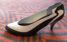 Kokorokoko specializes in 1980's and 1990's fashion, these shoes are  2 tone patent leather 80s heels in black and white .
