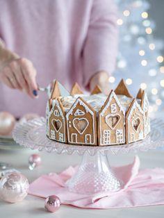 Suklainen Piparkakku-juustokakku (liivatteeton) Pink Christmas Decorations, Christmas Desserts, Christmas Baking, Christmas Cookies, Gingerbread House Parties, Gingerbread Man, Cake & Co, Christmas Wonderland, Xmas Crafts