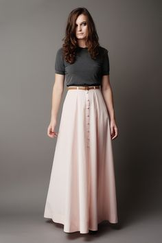 Buy the Fumeterre Skirt sewing pattern from Deer and Doe, a high-waisted maxi skirt with choice of buttoned front or fly front zipper. Diy Maxi Skirt, Maxi Skirt Winter, Maxi Skirt Outfits, Dress Skirt, Long Maxi Skirts, Waist Skirt, Deer And Doe Patterns, Skirt Patterns Sewing, Skirt Sewing