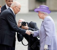 The Queen is greeted by Italian President Giorgio Napolitano 3rd April 2014