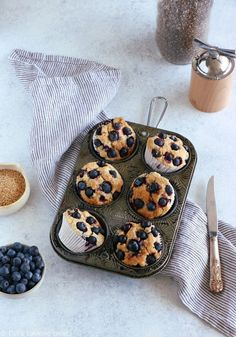 These vegan blueberry muffins are prepared with a flaxseed egg. Much healthier than the classic version, they are light, fluffy,and loaded with blueberries. You are going to love them for breakfast! #muffins #veganmuffins #blueberrymuffins #flaxseed #healhtierbaking #vegansweets Vegan Blueberry Muffins, Blueberry Oatmeal, Blue Berry Muffins, Chocolate Chip Granola Bars, Chocolate Chip Blondies, Baking Recipes, Dessert Recipes, Breakfast Recipes, Breakfast Muffins