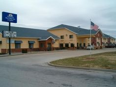 Nevada (MO) Americas Best Value Inn And Suites Nevada United States, North America Americas Best Value Inn And Suites Nevada is perfectly located for both business and leisure guests in Nevada (MO). The hotel offers guests a range of services and amenities designed to provide comfort and convenience. All the necessary facilities, including facilities for disabled guests, Wi-Fi in public areas, car park, meeting facilities, business center, are at hand. Guestrooms are designed ...