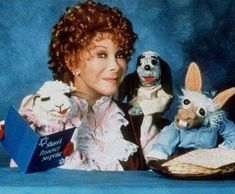"""Shari Lewis, Lamb Chop, Charlie Horse and Hush puppy. I'm a little dad that my kids will never know the awesomeness of """"This is the song that never ends, it goes on and on my friends. 90s Tv Shows, Childhood Tv Shows, Old Shows, 90s Childhood, My Childhood Memories, Sweet Memories, Childhood Images, Cherished Memories, Pbs Kids"""