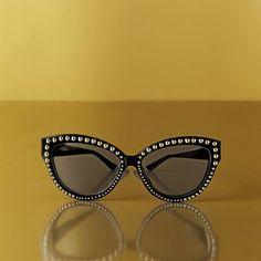 71 melhores imagens de Moschino   Moschino, Outfits e Fashion women f9a695a352