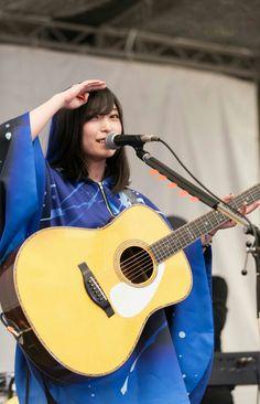さユり Guitar Girl, Cute Asian Girls, Japanese Artists, Music Stuff, Japanese Girl, Kawaii, Singer, Female, Portrait