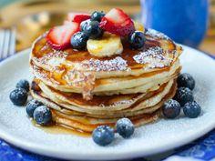 12 Places For Breakfast In Fort Myers - Florida Trippers Breakfast Cafe, Breakfast Restaurants, Best Breakfast, Crave Restaurant, Oasis Restaurant, Pancakes, Fort Myers Florida, Home Fries, Pancake Stack